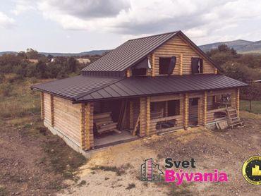 Novostavba zrubového domu v obci Bačkov