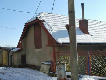 Na predaj 2-izbový rodinný dom, Lipovec.