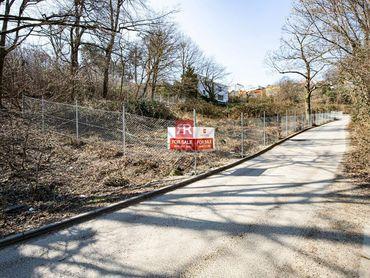 HERRYS - Na predaj pozemok hneď pri lese na výstavbu RD alebo bytového domu v lokalite Koliba
