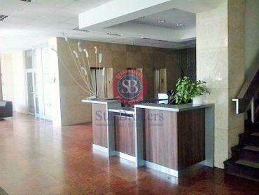 StarBrokers – PRENÁJOM- Kancelárie (4 x 25 m2, 1 x 12,5 m2, aj jednotlivo) v administratívnej budove