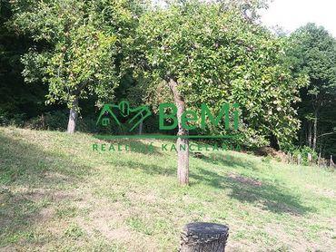 Na predaj záhrada 843 m2 s ovocnými stromami Banská Bystrica - Kremnička (ID-025-14-ZUS)