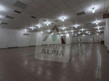 Podnikateľský objekt-obchodná predajňa na prenájom v centre Ružomberka