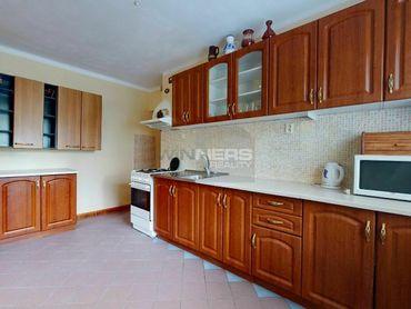 REZERVOVANÉ: Exkluzívny predaj veľkého  3-izbového bytu v Banskej Bystrici, Jilemnického ulica