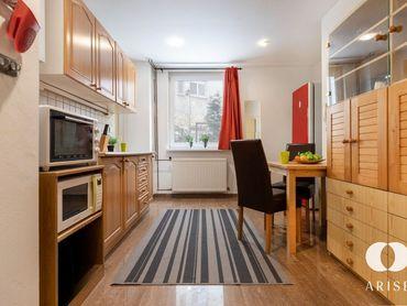 Tichý 1 izbový byt (s nevýhodou) v starom meste oproti Twin city