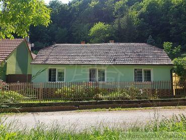 *VIDEOOBHLIADKA*Rodinný dom pod lesom v obci Smolenice na predaj