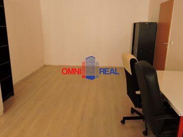 Nebytový priestor v centre mesta, Mikulášska ul., 50 m2, čiastočne zariadený
