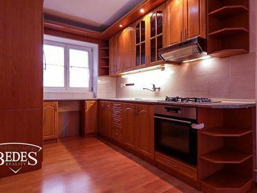 BEDES | Zrekonštruovaný 2 izbový byt v Hliníku nad Hronom, 56m2