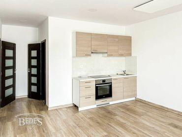 BEDES   Moderný 2 izbový byt v novostavbe s balkónom
