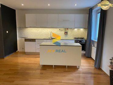 JKV REAL ponúka na predaj 3 izbový byt pri NTC