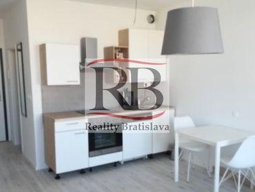 Na prenájom 1 izbový byt na ulici Zuzany Chalupovej v Petržalke