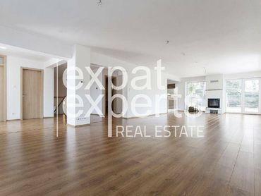Krasný 6i rodinný dom, 350 m2, čiastočne zariadený, pekné prostredie