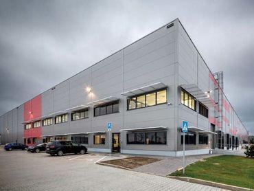 Skladové priestory pri Bratislave - s napojením na D1 a nový bratislavský obchvat