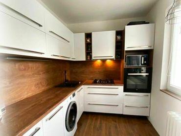 Kvalitná rekonštrukcia 3 izbový byt 65 m2 + balkón predaj Banská Bystrica Fončorda