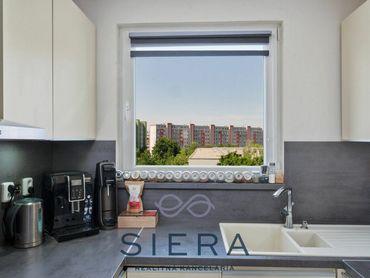 Rezervované – väčší 3izbový byt s balkónom, J. Slottu