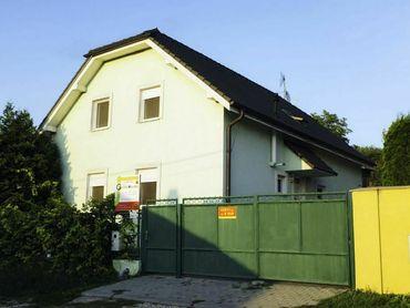 Dva rodinné domy Penzión Green Houses Podhajská