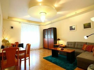 2-izbový byt S BALKÓNOM, 55m2, V ÚPLNOM CENTRE Bratislavy / Špitálska ulica.