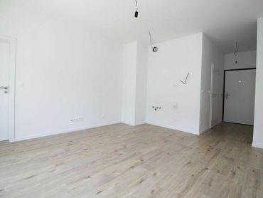 2-izbový byt s parkingom a s veľkou loggiou, Slnečnice-Mesto