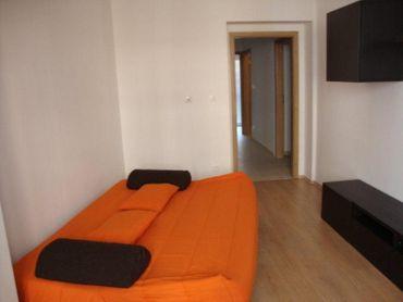 Prenájom krásneho 1 izbového bytu po rekonštrukcii v Starom meste na ul. 29 augusta. Byt má 36m2 a s