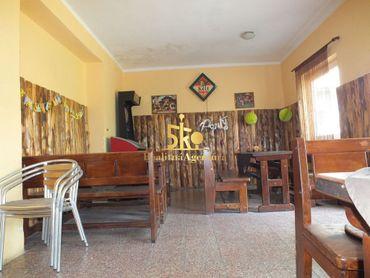 Budova pohostinstva a potravín v obci Zelený Háj
