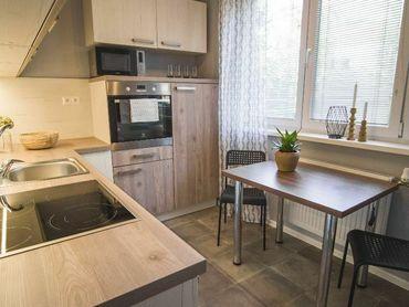 REZERVOVANY... 1-izbový byt, 35m2,po rekonštrukcii, komplet vybavený