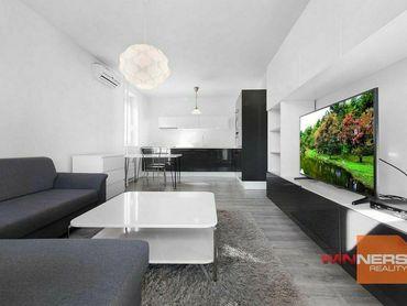 VIDEO - Dvojizbový zariadený, klimatizovaný byt s balkónom vo vyhľadáv. lokalite kúsok od River Park