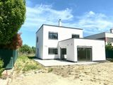 Ponúkame na predaj  NOVOSTAVBU 5 izbového domu s výborným dispozičným riešením v Ivanke pri Dunaji.