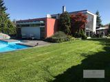 Architektonicky čistý dom s bazénom v tichej, privátnej ulici