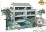 POVLJANA / CHORVÁTSKO - Predaj 4i apartmánu s terasou a predzáhradkou