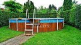 Chata s bazénom a dreveným altánkom za kúpaliskom Štrand, Nové Zámky, 807m2