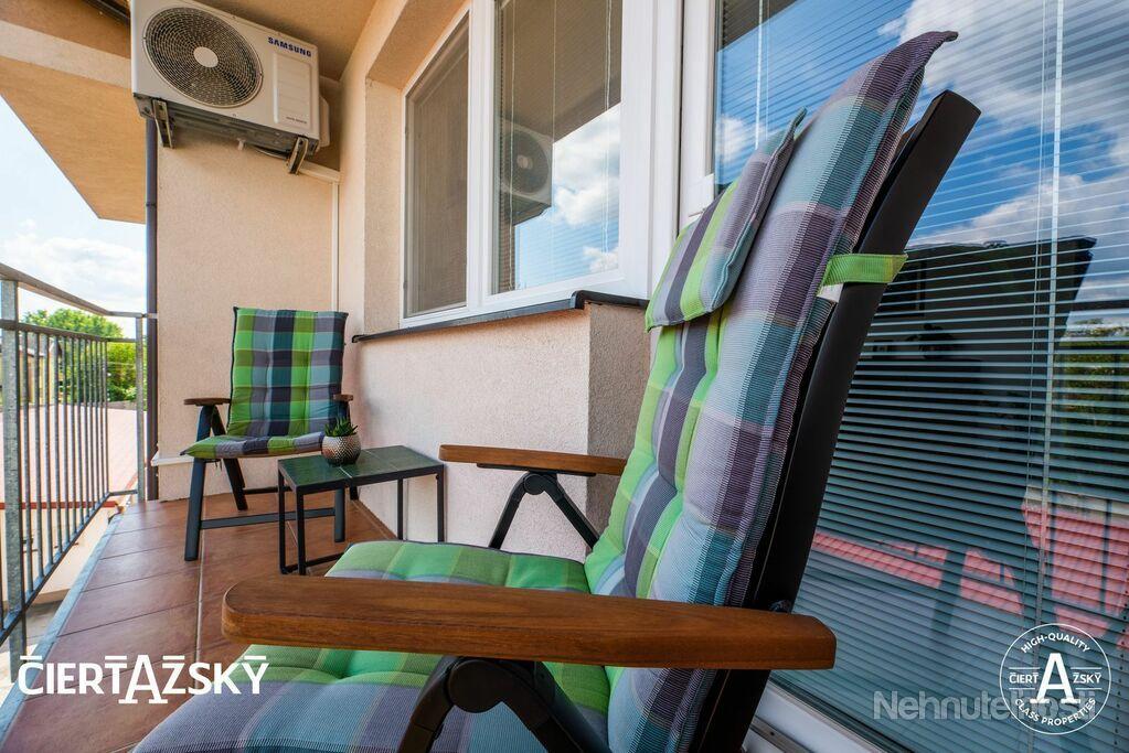 REZERVOVANÉ ꓲ 3i byt ꓲ 95 m2 ꓲ DLHÁ ꓲ veľkorysý a moderne vybavený byt, navyše úplne ako nový