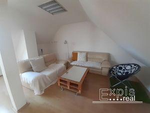5 a viac izbový byt Bratislava I - Staré Mesto prenájom