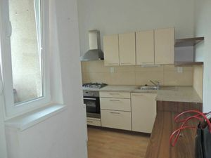 Na prenájom 3 izbový byt (trojizbový), Bratislava - Nové Mesto