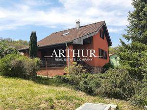 ARTHUR - Štýlovo zariadená  Rekreačná chata  na Podhájskej