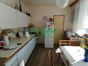 Predáme veľký 2 izbový byt - Zlaté Moravce (965-112-AFI)
