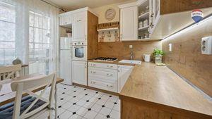 Slnečný 3 izb. byt s výhľadom a výbornou dostupnosťou Petržalka V. - Dvory