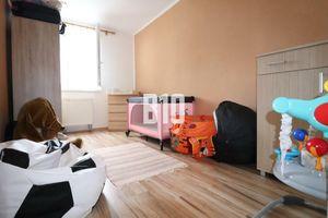 Rezervované - Priestranný slnečný 3 izbový byt - Bolešov