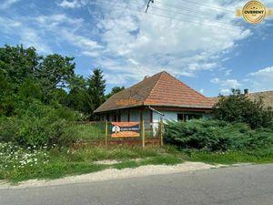 Chalupa Korlát, Maďarsko