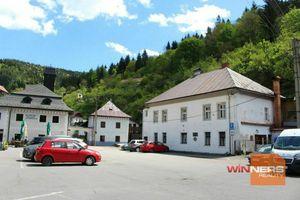Predaj 2 izb. bytu 60 m2 , záhrada a terasa -39 m2, podkrovie 40 m2,Špania Dolina-Banská Bystrica