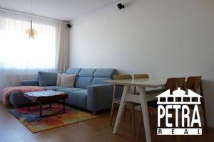 REZERVÁCIA : krásny plne zariadený byt v novostavbe na Komenského ulici