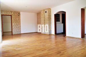 5 a viac izbový byt Čadca predaj