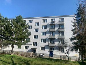 Ponúkame Vám na predaj 2 izbový byt Bratislava-Rača, ulica Pekná cesta
