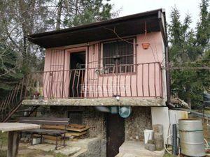 Na predaj záhradná chatka, aj so záhradným pozemkom v záhradkárskej osade Čachtice, 400m2