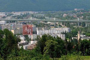 SÚRNE hľadám pre nášho klienta 4-izbový byt v Považskej Bystrici