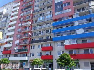 Prenájom 4 izb. Saratovská v blízkosti British school, veľlká terasa, parking 2x, zariadený, 130m2