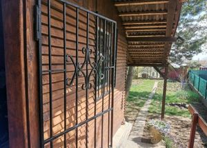 Predaj, murovaná chatka so záhradou, Senec