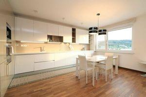 PRENÁJOM - Nadštandardný 3-izbový byt oproti BIS, Saratovská, Dúbravka