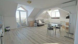 Klimatizovaný, zariadený, 2 izbový byt s  balkónom, parkovacie miesto