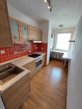 3 izbový byt s lodžiou na Romanovej ulici v Petržalke
