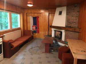 Chata na Jahodníku pri Smoleniciach, 8 izieb, čiastočná rekonštrukcia