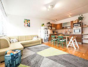 3i byt s pocitom bývania v dome s parkovacím miestom